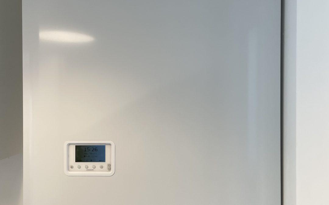 Remplacement a magny-le-hongre d'une chaudière frisquet hydroconfort 20 kw avec ballon inox de 80 litres a condensation